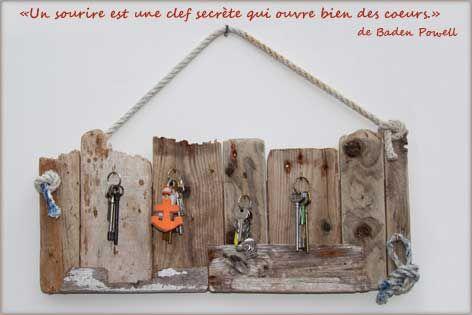 bois flotté, bricolage, recup, recyclage, deco marine : le blog de recup-o-bois-flotté: Porte-clés mural en bois flotté pour une déco marine