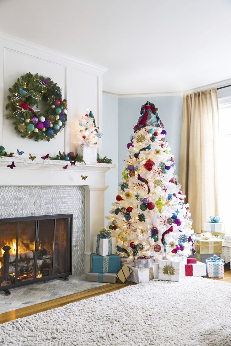For a sparkling christmas bring on glamour and global for Christmas mural
