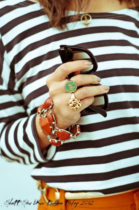 LOVING all the jewlery - crab ring, knot wring, amber bracelet - I mean... AH-maz.