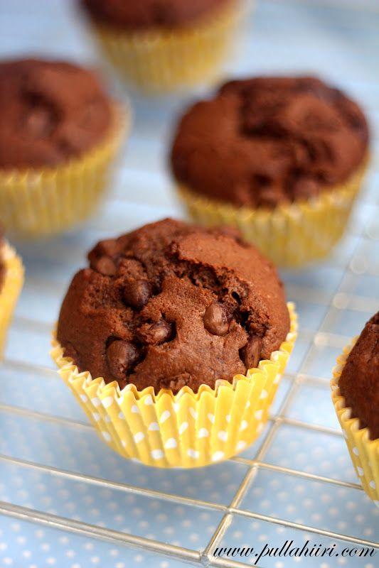 Pullahiiren leivontanurkka: Suklaahippumuffinssit - Chocolate chip muffins
