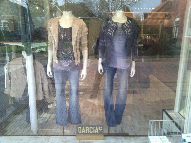 Etalage Garcia  Van Weerden Mode & Wonen