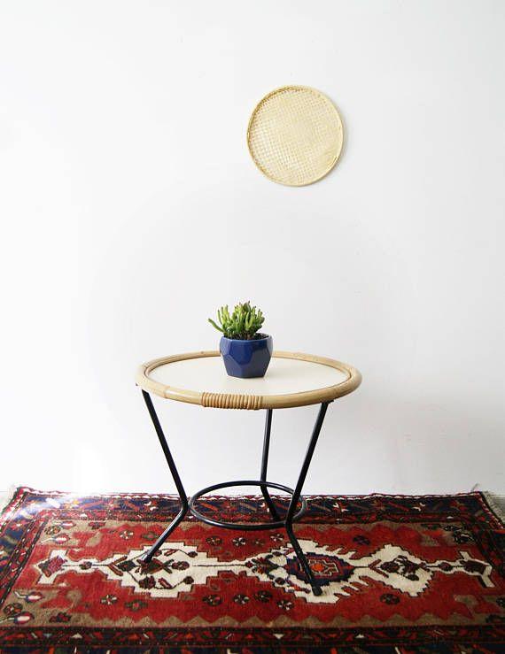 Tisch Rund Aus Bambus Und Metall Runder Tisch Beistelltisch