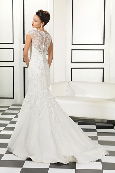 40 Winter Wedding Gowns You'll Love