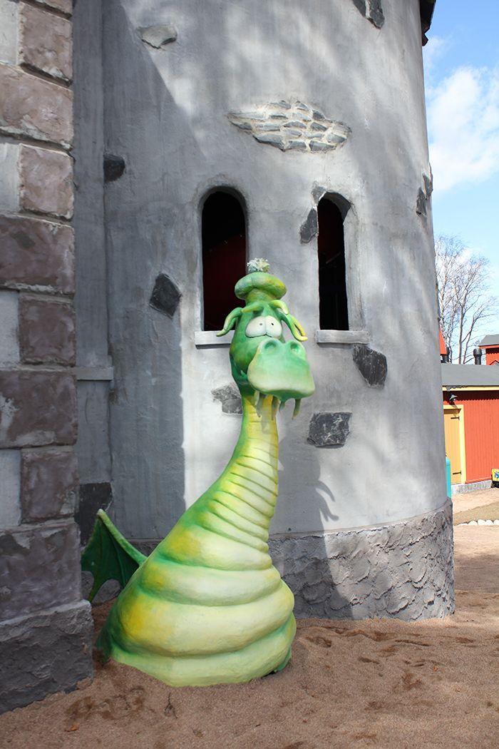 Drakkulan linna - Drakkula's Castle, Koiramäki - Doghill @ Särkänniemi #sarkanniemi #tampere, visit: http://www.sarkanniemi.fi