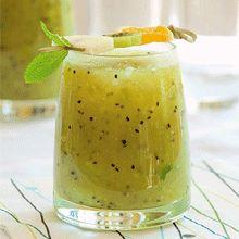 Smoothie kiwi orange pomme