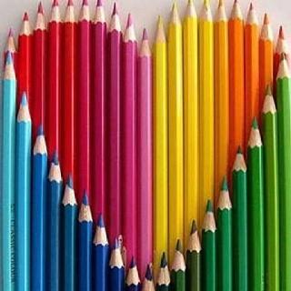 Kleur-tegen-kleurcontrast. Alle kleuren van de kleurencirkel zitten erin.