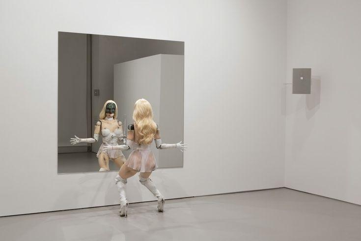 Jordan Wolfson, (Female figure) 2014, 2014, Fondation Beyeler