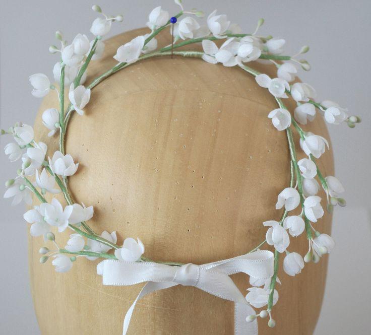 Matrimonio corona / floreale copricapo / floreale corona / sposa modisteria nuziale fiori Tiara di PapillonsDeLeticia su Etsy https://www.etsy.com/it/listing/204818998/matrimonio-corona-floreale-copricapo