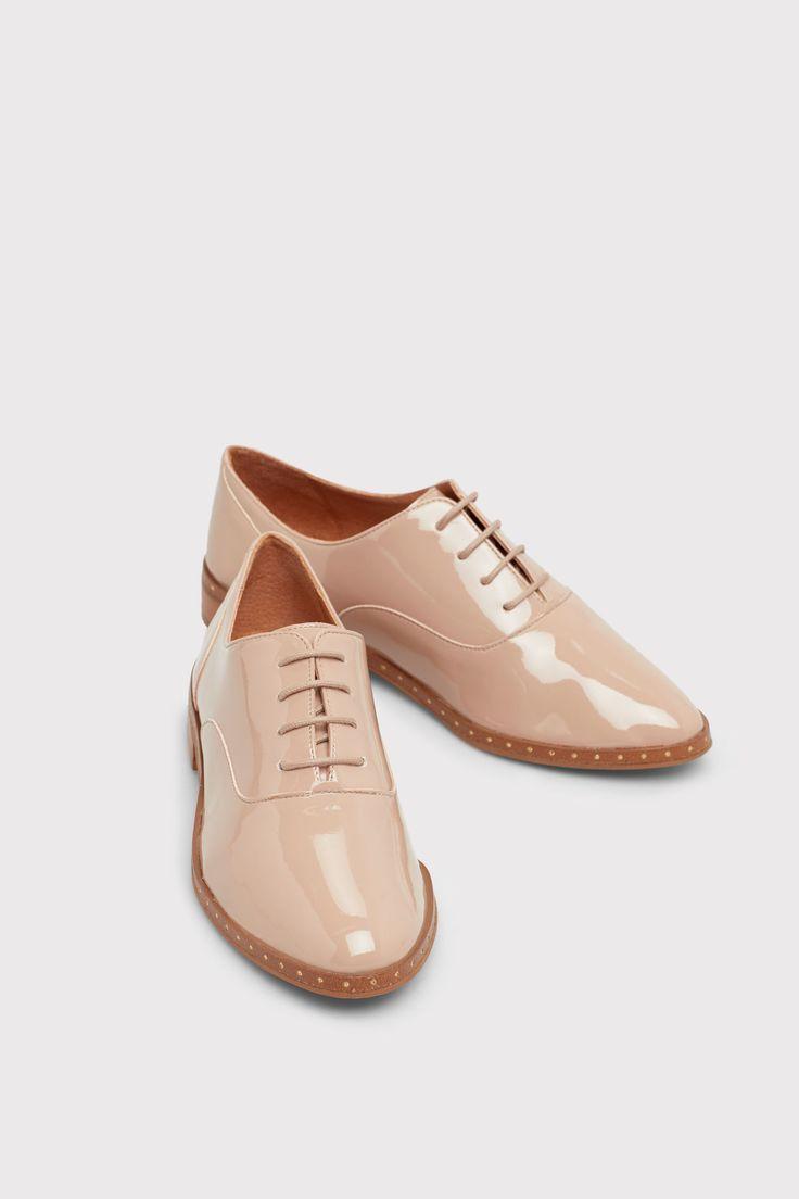 Zapato con cordones de charol | Zapatos | Cortefiel