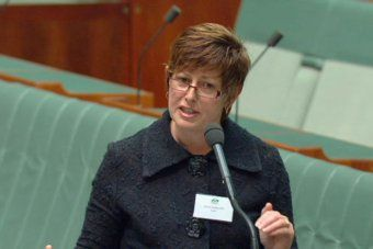 Labor MP Anna Burke rejects ALP's hardline position on asylum seekers