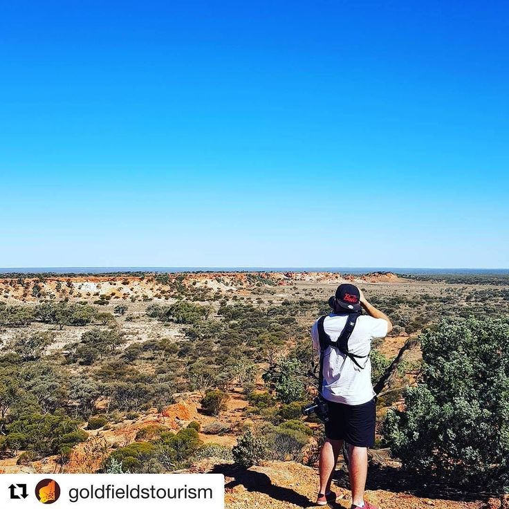 We love the 'Behind The Scenes' shots from working with our incredible clients!  Thank you Goldfields Tourism!  Billy was on tour with the team over a 4 day period and was lucky enough to experience the incredible parts of our region!  Repost @goldfieldstourism  Today we stand on the edge of a breakaway 50kms east of Laverton.  It's like being on the edge of an ocean cliff! #DriveYourselfWild