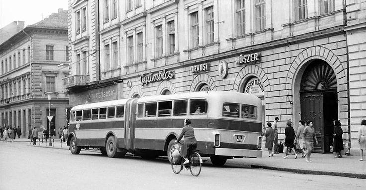 Széchenyi tér 1965-ben!