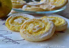 Girelle di sfoglia con mele e crema pasticcera