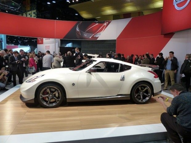 #Watch #Nissan #2013 #Juke #Nismo and #Nissan #2014 #370Z #Nismo #Debut At #Chicago #Auto #Show