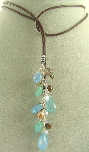 Pretty necklace...looks pretty simple to make.