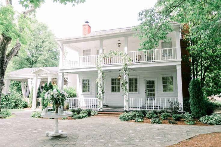 A Classic Black-Tie Wedding at Historic Nashville Estate — HGTV