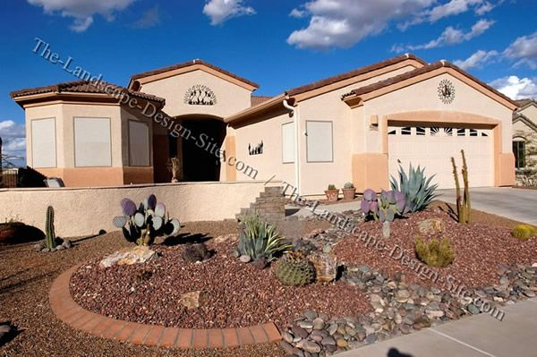 Desert Southwest front yard design with decorative gravel and ...
