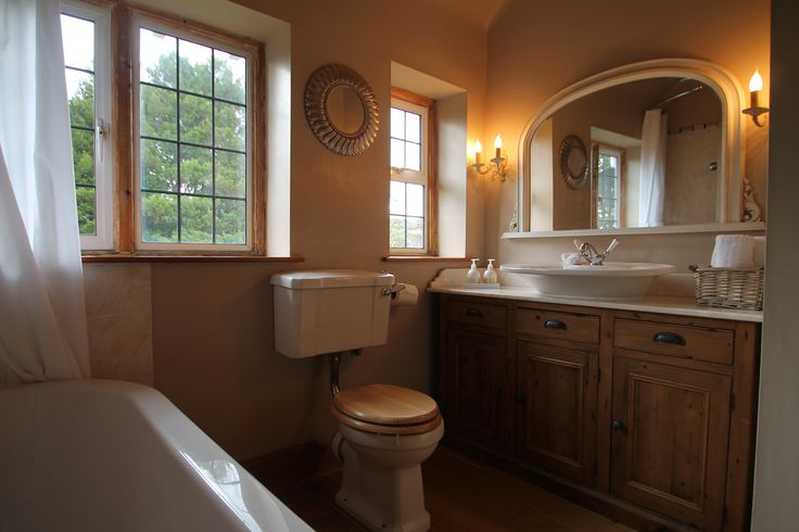 This beautiful bathroom was given the wow factor with a few decorative accessories.
