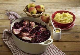 Geschmorter Rotkohl mit Speck und Kartoffelpüree