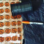 Everything you need for custom treat bags! (details #ontheblog - link in profile) #halloween #treats #treatsacks #treatbags #diy #blog #crafty #ribbon #sharpie