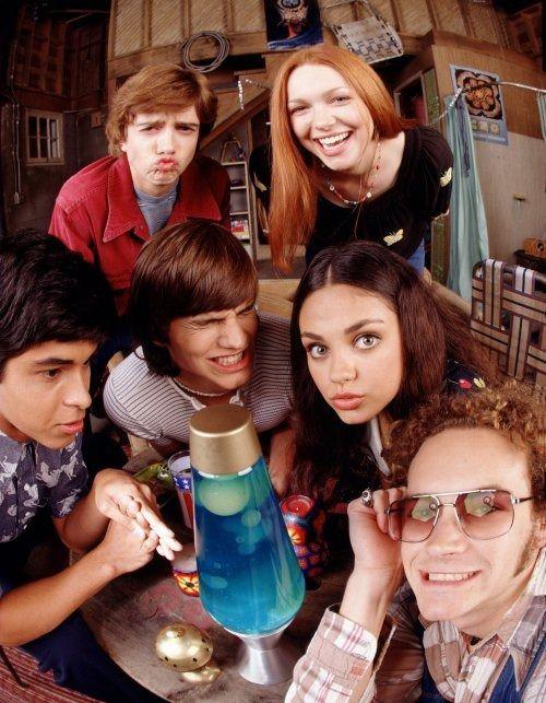 Redhead Laura Prepon (Donna Pinciotti) & friends - That '70s Show