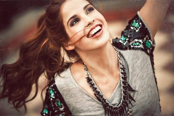candelaria molfese from the cast of Violetta