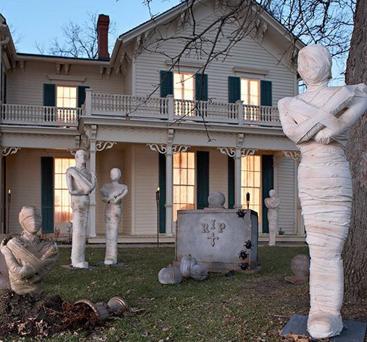 scary outdoor halloween decorations and silhouettes_08 - Outside Halloween Decor