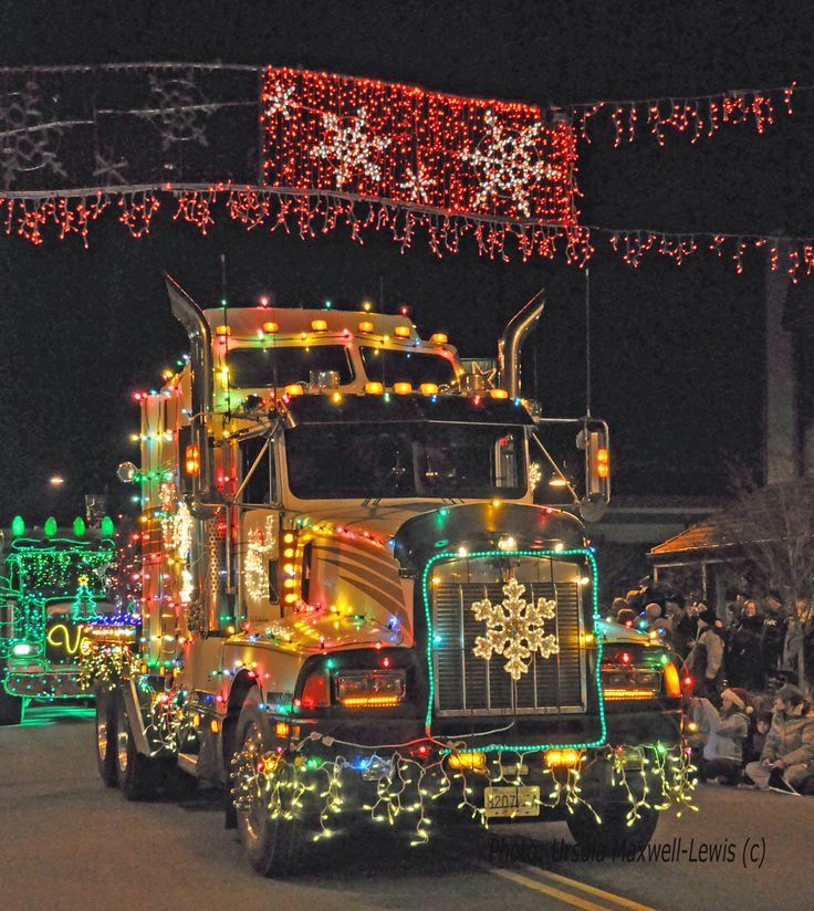 Cloverdale, British Columbia: Christmas Big Rigs roll through the heritage heart of the City of Surrey . Photo: Ursula Maxwell-Lewis (c)