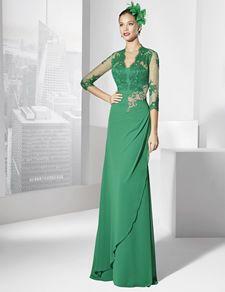 Trajes de fiesta largo largo color verde menta y cuerpo de rebordé.