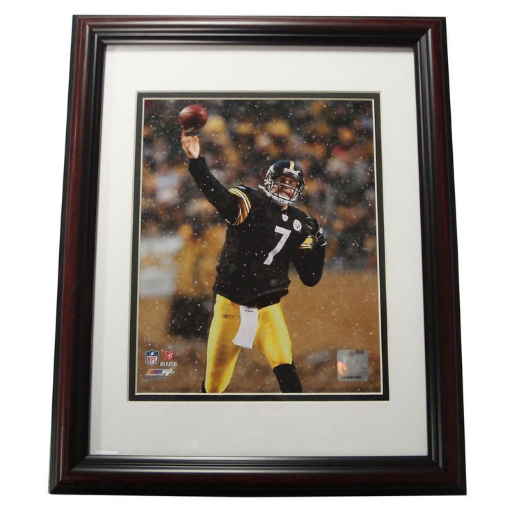 Treehugger 11X14 Unsigned Framed Photo - Pittsburgh Steeler Super Bowl 43 Champions Ben Roethlisberger