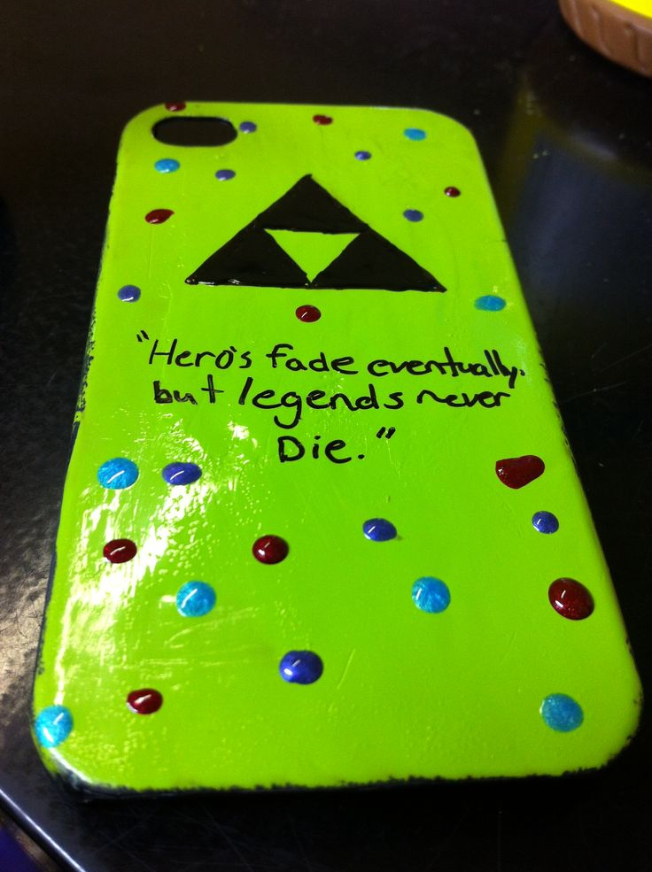 My attempt of painting my own phone case, I can't paint >.<
