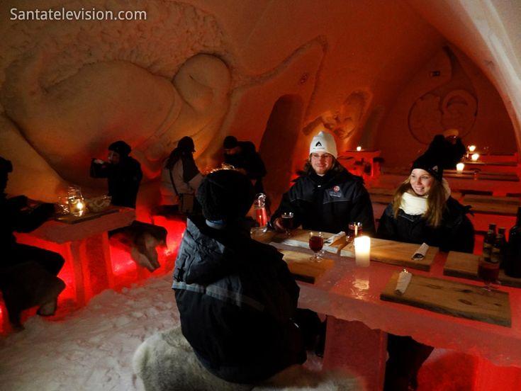 Restaurante de Gelo do Arctic Snow Hotel em Rovaniemi na Lapônia, Finlândia