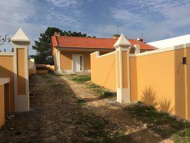 Moradia T21 com jardim murado  Nadadouro Caldas da Rainha