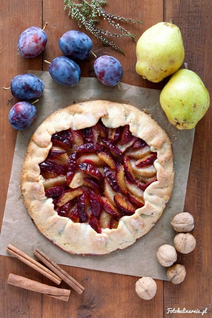 Pear and Plum Galette with a bit of Walnuts.