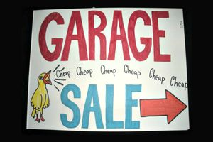 A great yard sale sign is eye catching, colorful, and has some element that makes the sale seem better than the rest. Here's a peek at 7 of the best.: Cheap Chick Garage Sale Sign