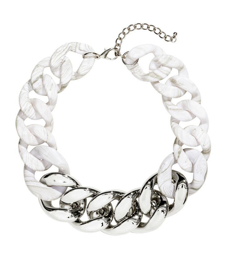Short collar necklace with white & silver metal chain links. | H&M Accessories