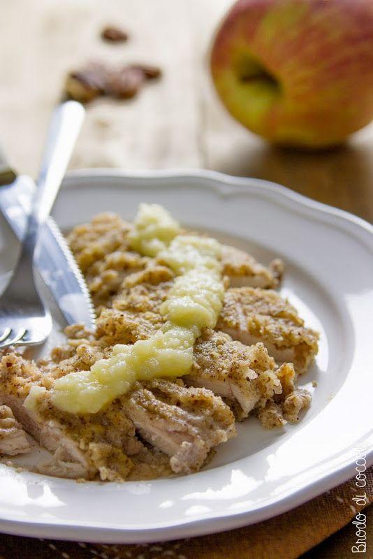 Pollo in crosta di noci pecan con salsa di mele