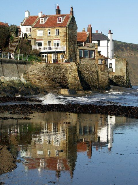 Robin Hood's Bay, North Yorkshire by Graham Hogg
