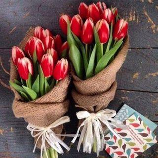 Букет Тюльпанов в мешковине