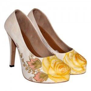 Sepatu lukis rose platform krem IDR355.000 size 36-41  Hubungi Customer Service kami untuk pemesanan : Phone / Whatsapp : 089624618831 Line: Slightshoes Email : order@slightshop.com