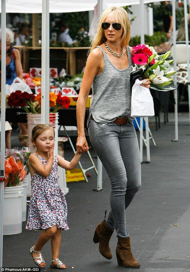Kimberly Stewart takes daughter Delilah del Toro to farmers market #dailymail