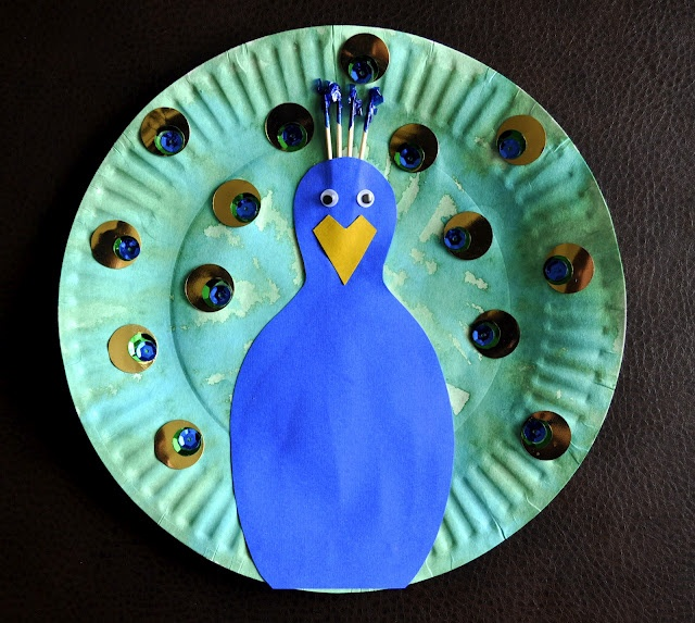 Paper Plate Peacock via I Heart Crafty Things.