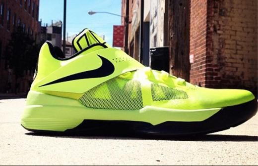 Nike Zoom KD IV Volt Signed for Bun B s Wife Queenie Kevin Durant Shoes 2013