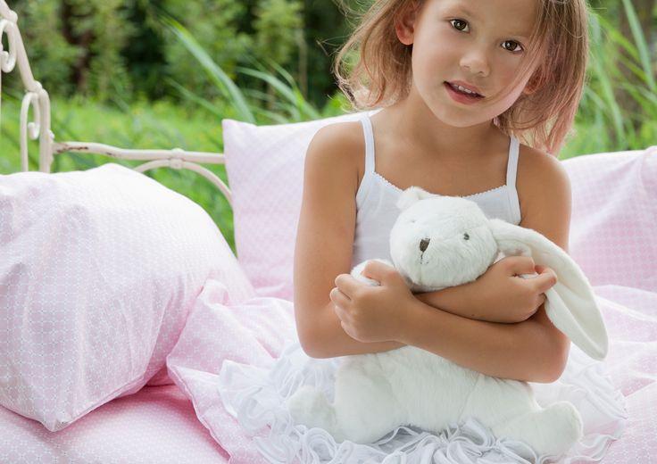 Mooi roze dekbedovertrek voor de meisjes kamer. Verkrijgbaar in ledikant, junior en 1 persoons en in Sweet pink en sweet mint bij    TinyHeroes.nl of kinderslaapkamer.com