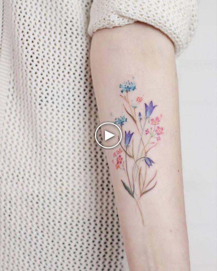 Ramo De Flores Silvestres En El Antebrazo Interno Izquierdo Bouquet Flower Forearm Gr Ramo De Flores Silvestres Tatuaje De Flor Colorida Ramos De Flores