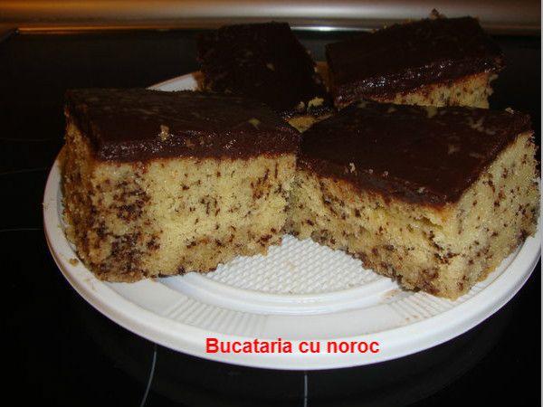 Bucataria cu noroc - Prajitura pistruiata cu glazura de ciocolata