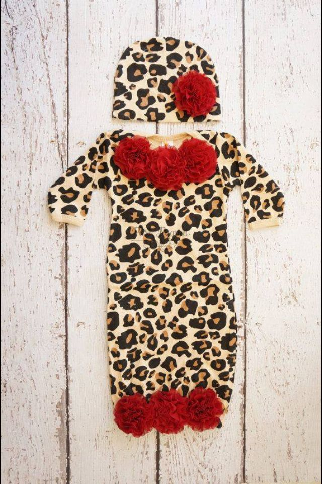 Maybe something like this for zoeys take home outfit