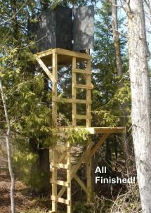 Picture of a deer stand with two levels - © Michael Sakowski
