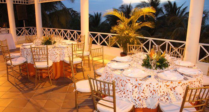 Balcón del Almirante. Un lugar perfecto y romántico para las cenas más románticas. #ElHoteldeLasEstrellas