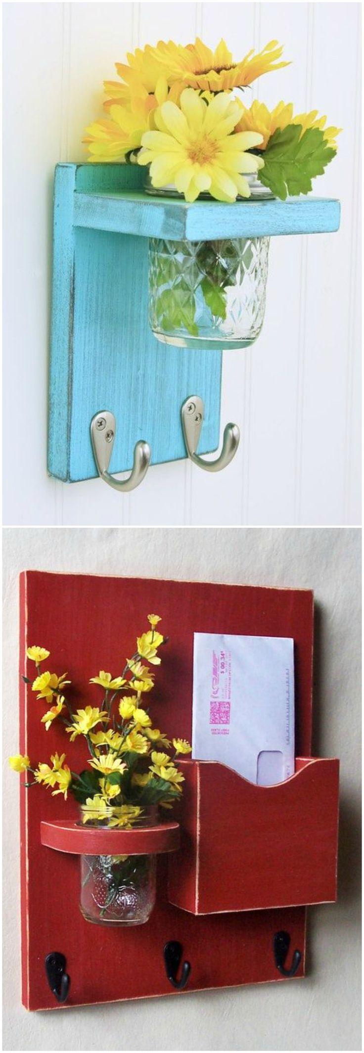 DIY cuelga llaves. Visto en www.ecodecomobiliario.com                                                                                                                                                                                 Más